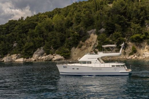 Lagoon Power 44 in Split for hire