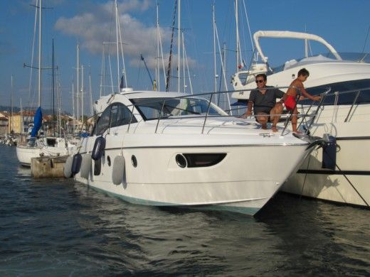 BENETEAU FLYER GT 38 in Sausset-les-Pins for hire