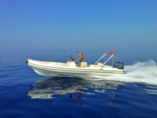 JOKER BOAT CLUBMAN 26' SPECIAL - NO SKIPPER in Lipari, Messine zu vermieten