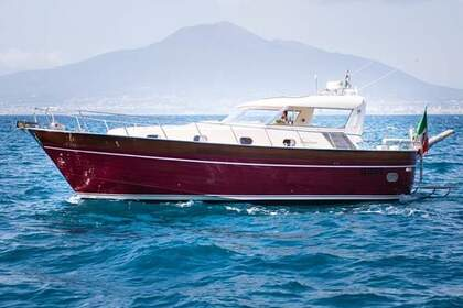 Hire Motorboat APREAMARE 12 Vico Equense