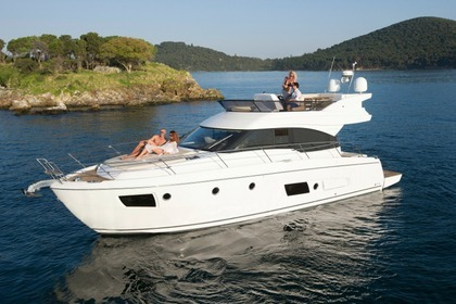 Hire Motorboat Bavaria Virtess 420 Fly Šibenik