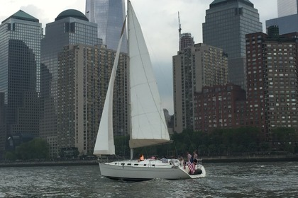 Miete Segelboot Beneteau Beneteau 45 New York City