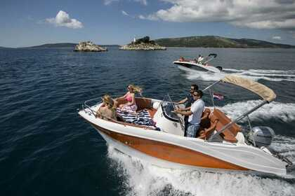 Charter Motorboat Barracuda 545 Open Podgora, Split-Dalmatia County