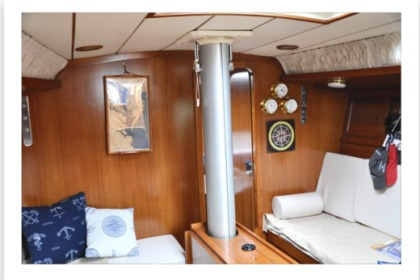 Rental Sailboat Cantieri Del Pardo Grand Soleil 39 Taranto
