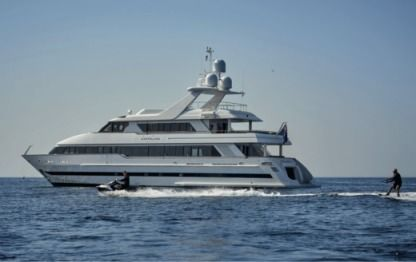 Charter Motorboat Moonen Custom Cannes