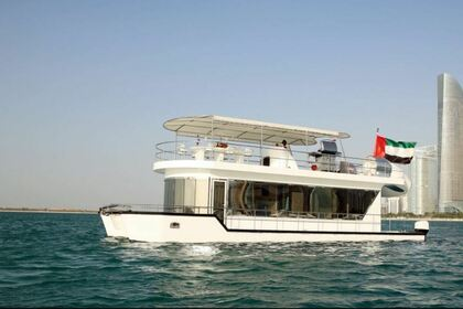 Czarter Houseboat Custom Houseboat 54 Dubaj