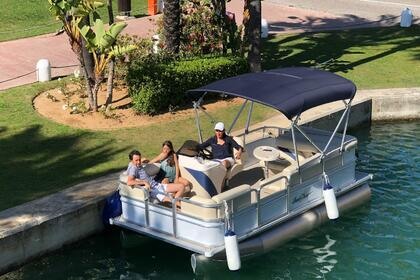 Rental Motorboat SMOKER CRAFT SUNCHASER 7516 TRAVERSE Marbella