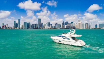 Rental Motorboat Azimut Flybridge Miami