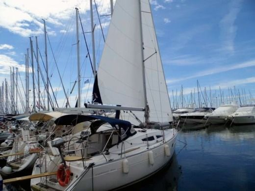 Elan Elan 344 Imp in Biograd na Moru for hire