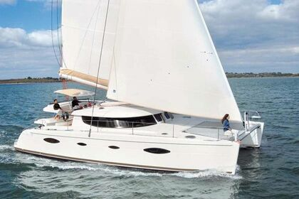 Hire Catamaran FOUNTAINE PAJOT SALINA 48 Guna Yala