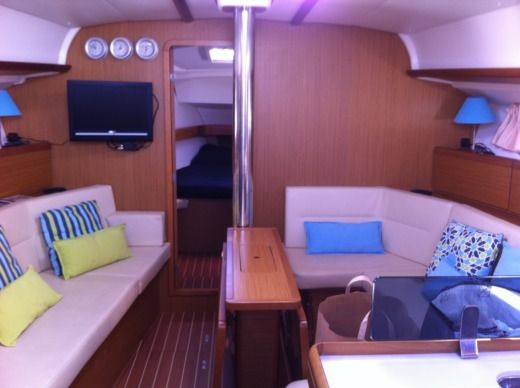 Sailboat 2008 Jeanneau Sun Odyssey 42I for hire