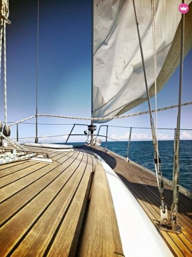 Sailboat Cantiere Del Pardo Grand Soleil 43 peer-to-peer