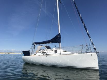 Rental Sailboat Beneteau First 27.7 Qr Larmor-Plage