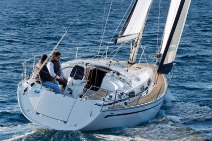 Hire Sailboat BAVARIA CRUISER 34 Zaton