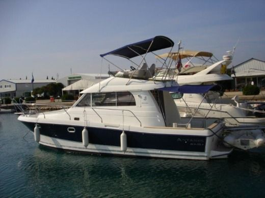 BENETEAU Antares 10.80 in Zadar for hire