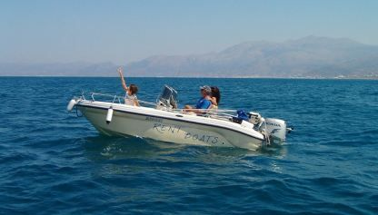 Charter Motorboat Ranieri Revolution Heraklion