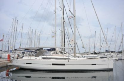 Rental Sailboat Dufour 520 Gl Portisco