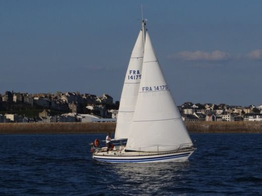Charter sailboat in Granville peer-to-peer