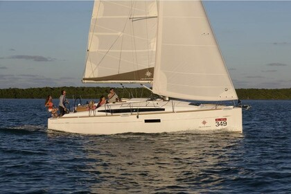 Rental Sailboat JEANNEAU SUN ODYSSEY 349 L'Estartit