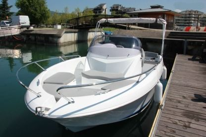 Rental Motorboat Beneteau Flyer 650 Open-1 Girona