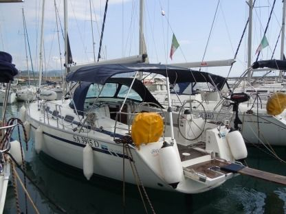 Charter Sailboat Bavaria 40 Salerno