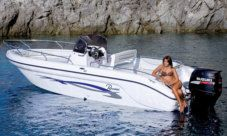 Rental Motorboat Ranieri International Voyager 22 Manerba del Garda