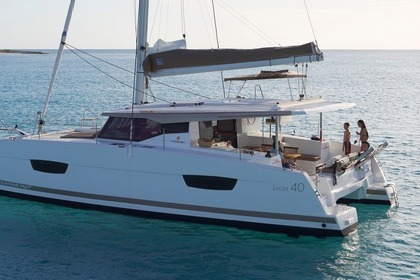 Rental Catamaran FOUNTAINE PAJOT LUCIA 40 Pointe-a-Pitre
