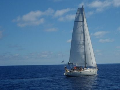 Charter Sailboat Jeanneau Sun Kiss 47 Combrit