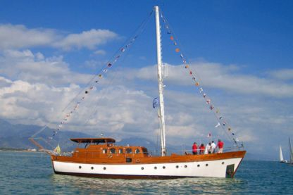 Charter Sailboat Freeward 1962 Taormina
