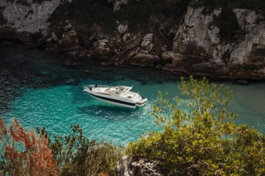 Charter motorboat in Menorca
