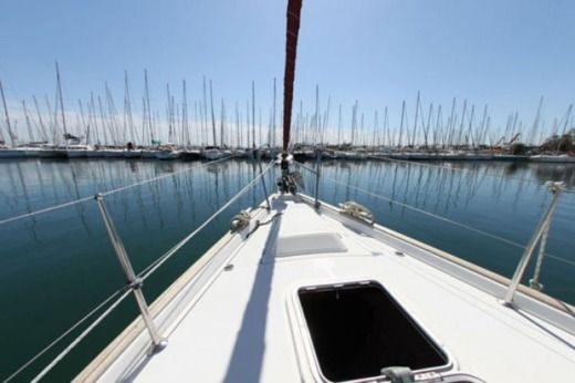 Sailboat BENETEAU Oceanis 473 peer-to-peer
