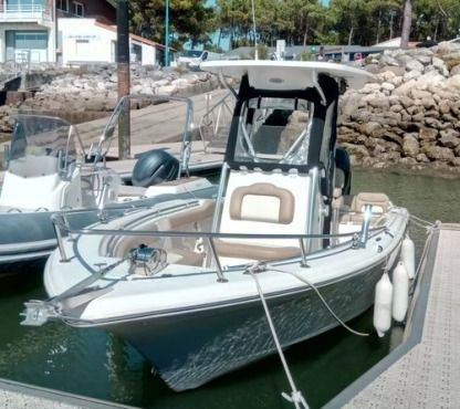 Rental Motorboat Key West 219 Sport Fishing Saint-Cyprien