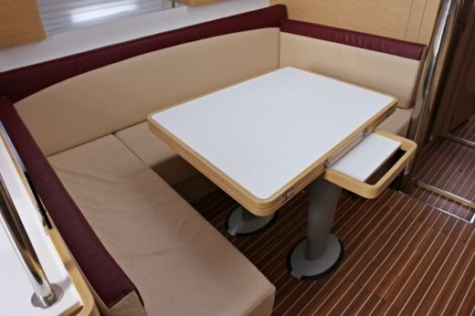 Sailboat Elan 444 peer-to-peer