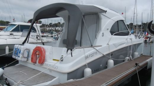 Charter motorboat in Brest peer-to-peer