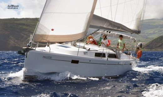 Sailboat HANSE 385 for hire