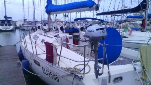 Sailboat Beneteau 390 for hire