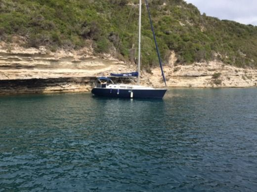 Charter sailboat in Bonifacio peer-to-peer