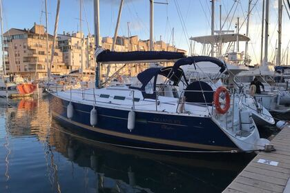 Hire Sailboat BENETEAU Océanis 373 Empuriabrava