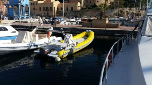 Charter rIB in Palermo peer-to-peer