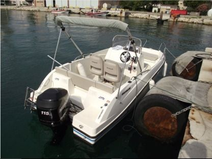 Rental Motorboat Quiksilver Open Activ 555 Port-de-Bouc