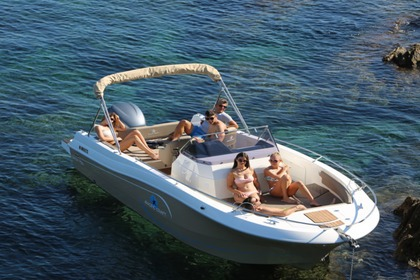 Rental Motorboat Pacific Craft 750 open Ibiza