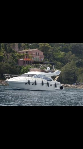 Charter motorboat in Cannes