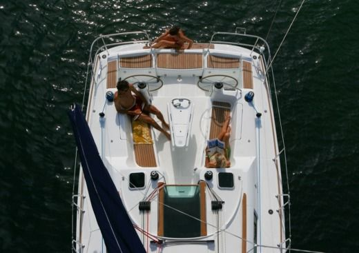 Jeanneau Sun Odyssey 39I in Keramoti for hire