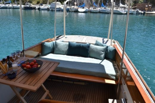 Charter motorboat in Cassis