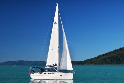 Hire Sailboat BAVARIA 40 Airlie Beach