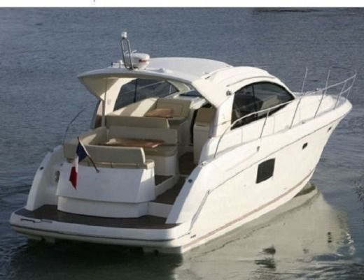 Jeanneau Prestige 38 S Ht in Split for rental