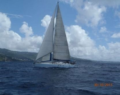 Charter Sailboat Construction Amateur Paladin 18M Martinique