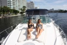Motorboat Cruisers Yacht 370 Express for rental
