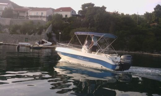 Motorboat Tancredi Nautica Blue Max 5.70 for hire