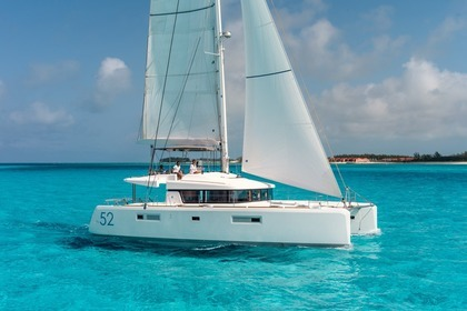 Location Catamaran LAGOON Lagoon 52 F with watermaker & A/C - PLUS Praslin